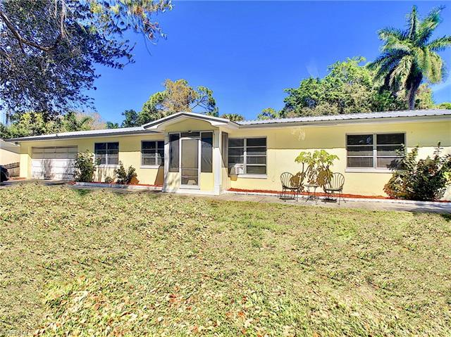 52 W North Shore Ave, North Fort Myers, FL 33903