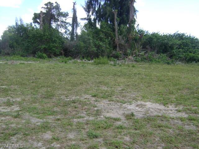 1050 Embers Pky W, Cape Coral, FL 33993