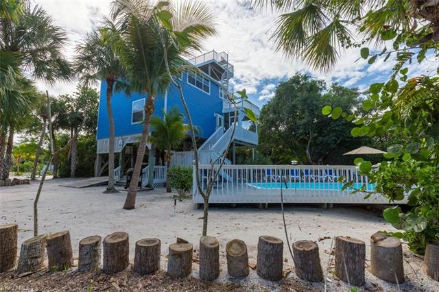 516 Pirate Dr, Other, FL 33924