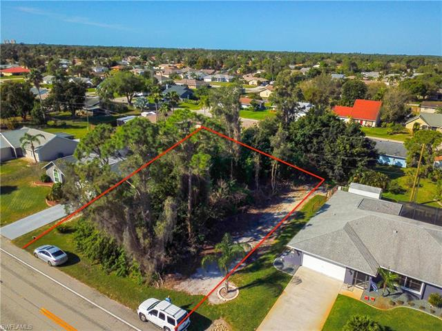 17504 Oriole Rd, Fort Myers, FL 33967