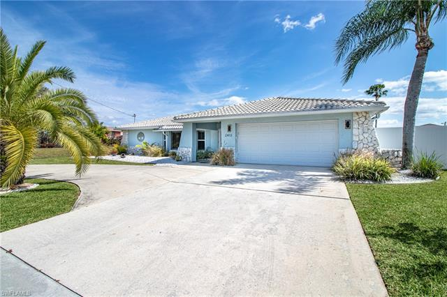 2413 Country Club Blvd, Cape Coral, FL 33990