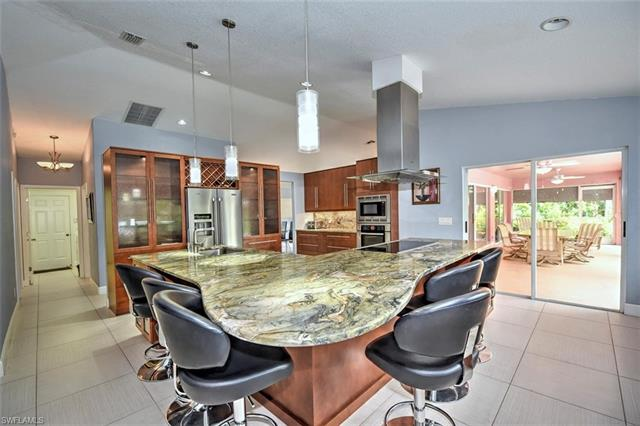 180 10th Ave Nw, Naples, FL 34120