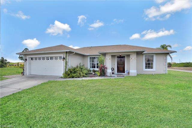 1512 Gordon Ave S, Lehigh Acres, FL 33973