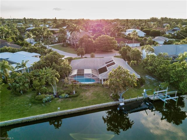 930 Kings Crown Dr, Sanibel, FL 33957