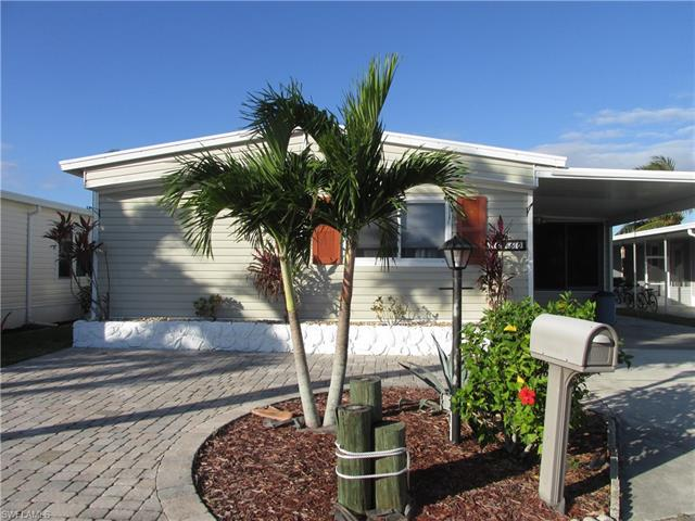 17760 Peppard Dr, Fort Myers Beach, FL 33931