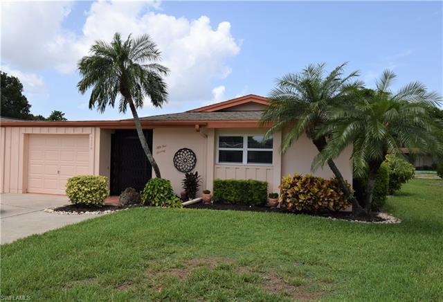 5570 Pendlewood Ln, Fort Myers, FL 33919