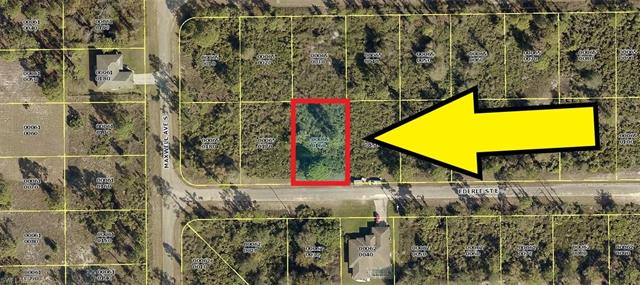1219 Ederle St E, Lehigh Acres, FL 33974