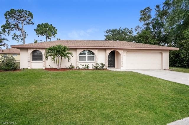17370 Missouri Rd, Fort Myers, FL 33967