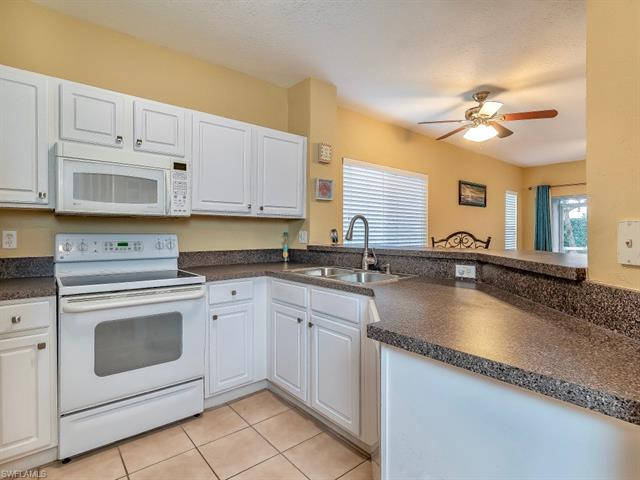 10084 Pacific Pines Ave, Fort Myers, FL 33966