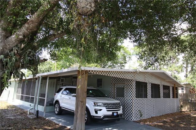19621 N Tamiami Trl 17, North Fort Myers, FL 33903