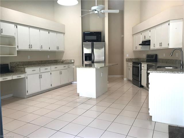 521 Mckinley Ave, Lehigh Acres, FL 33972