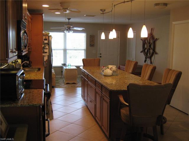 4417 Country Club Blvd B8, Cape Coral, FL 33904