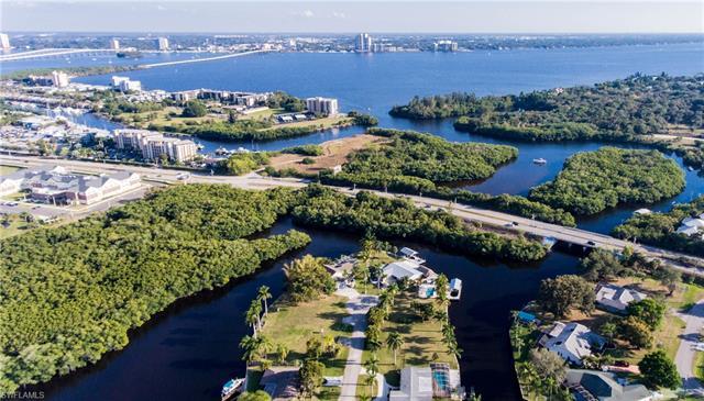 431 Seaworthy Rd, North Fort Myers, FL 33903