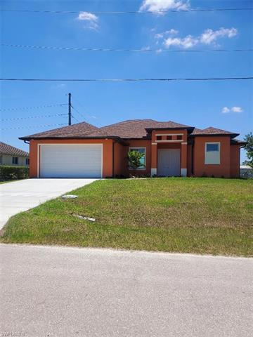 803 Greyhound Ave N, Lehigh Acres, FL 33971