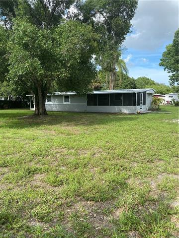 7977 Bartholomew Dr, North Fort Myers, FL 33917