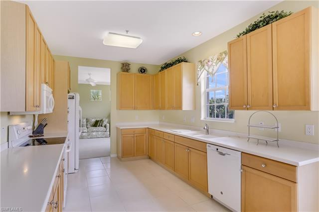 7050 Bay Woods Lake Ct 201, Fort Myers, FL 33908