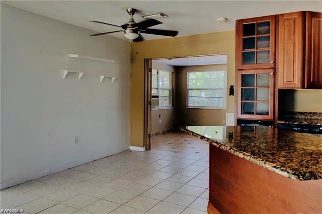 2431 Ephraim Ave, Fort Myers, FL 33907