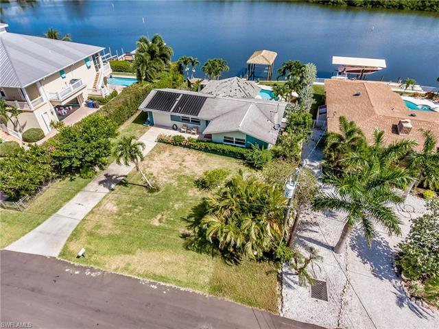 8061 Lagoon Rd, Fort Myers Beach, FL 33931