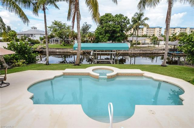 5160 Williams Dr, Fort Myers Beach, FL 33931