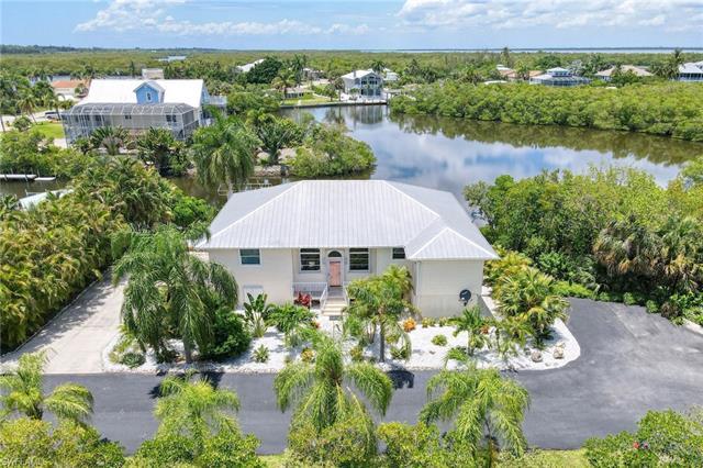 2888 Buttonwood Key Ct, St. James City, FL 33956