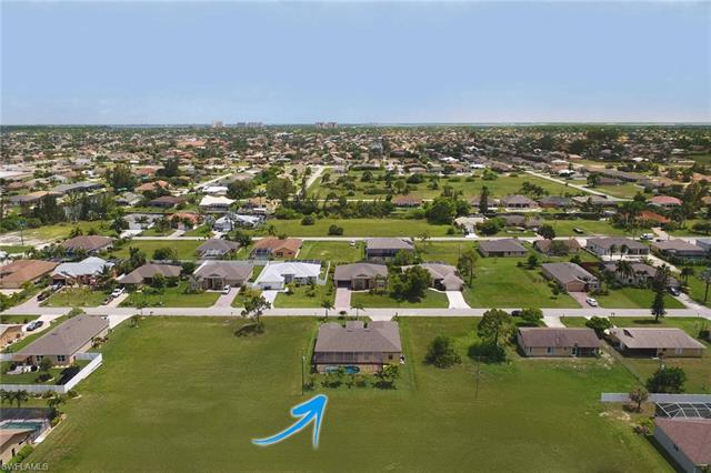 1809 Sw 40th St, Cape Coral, FL 33914
