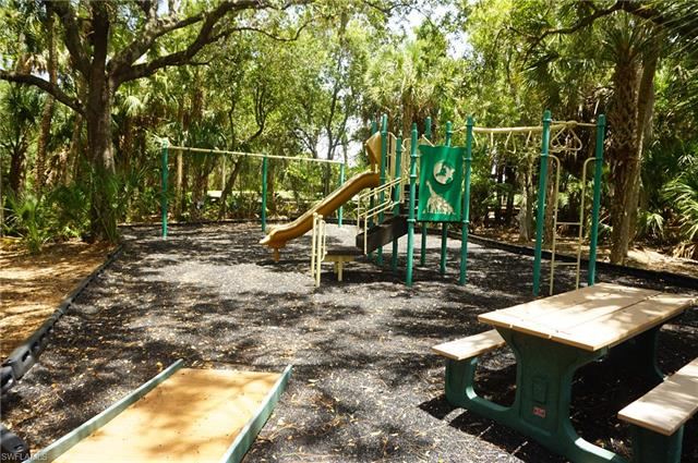 7060 Bay Woods Lake Ct 201, Fort Myers, FL 33908