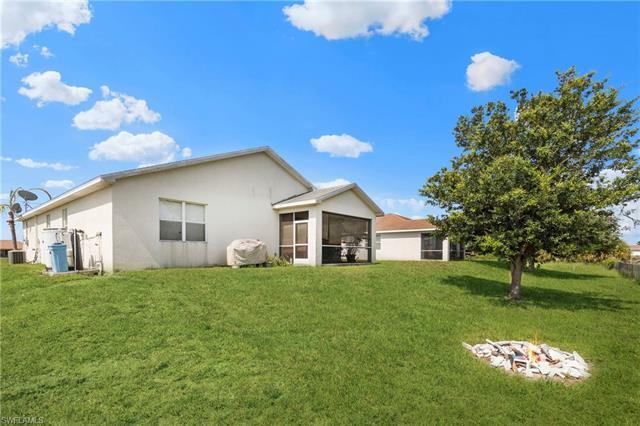 3902 17th St Sw, Lehigh Acres, FL 33976