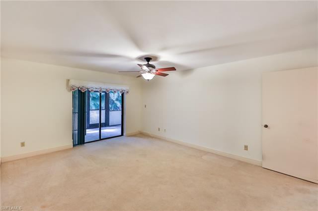 101 Pinebrook Dr, Fort Myers, FL 33907
