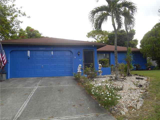 2203 Se 6th Ln, Cape Coral, FL 33990