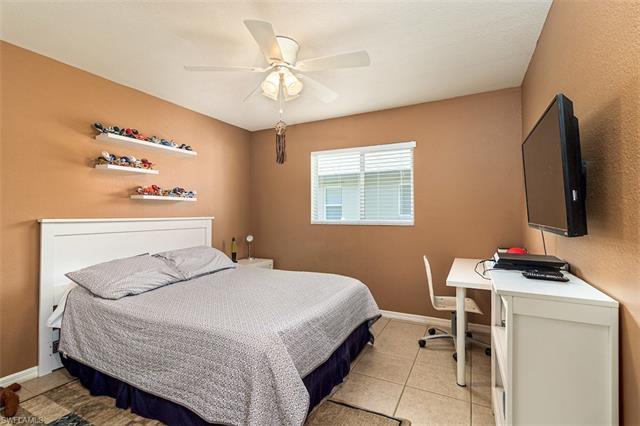 1517 Graduate Ct, Lehigh Acres, FL 33971