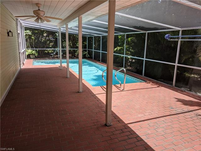 1331 Caloosa Dr, Fort Myers, FL 33901