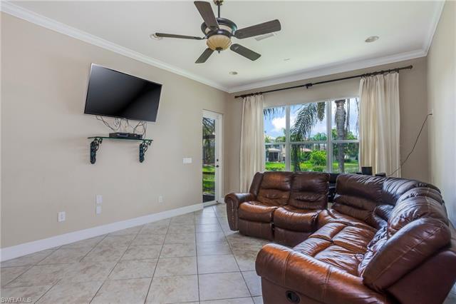 10398 Carolina Willow Dr, Fort Myers, FL 33913