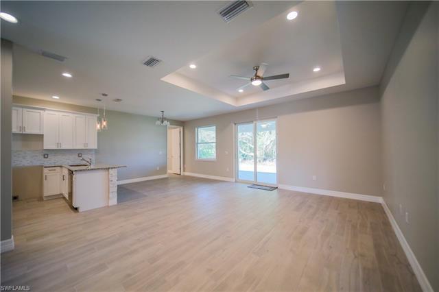 2915 22nd St W, Lehigh Acres, FL 33971