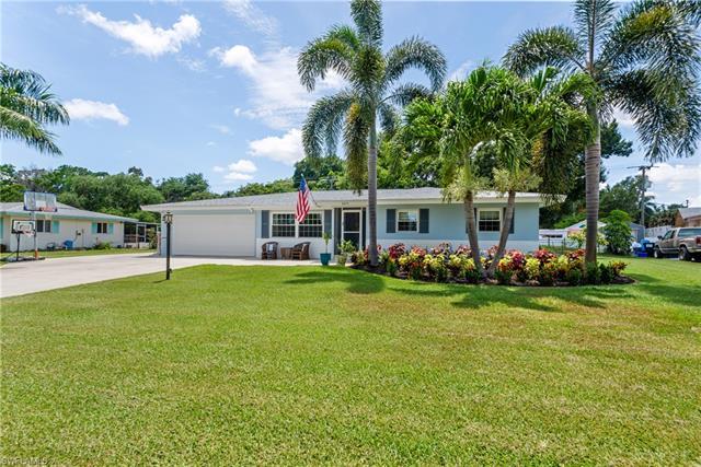 6215 Saint Andrews Cir N, Fort Myers, FL 33919