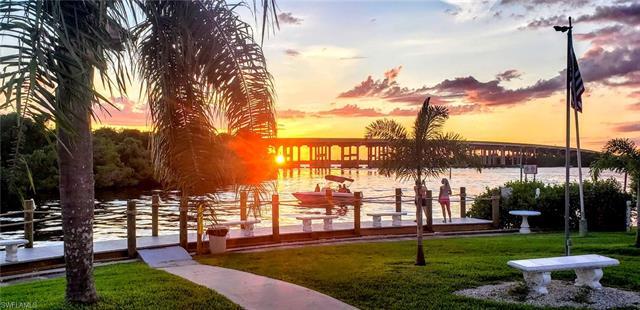 150 Sun Cir, Fort Myers, FL 33905
