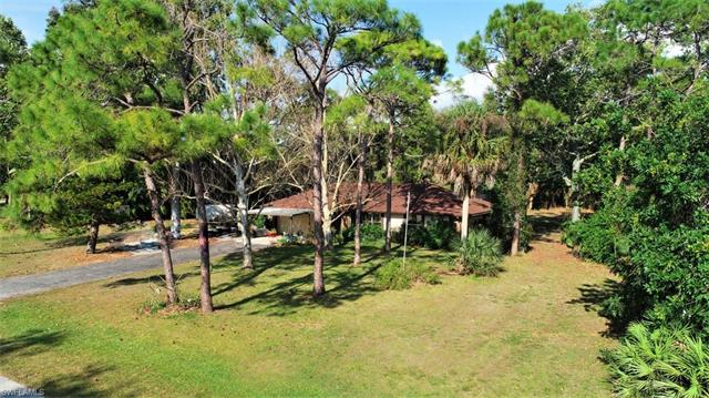 20599 Charing Cross Cir, Estero, FL 33928
