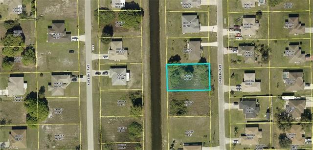 1013 Chaplin Ave, Lehigh Acres, FL 33971