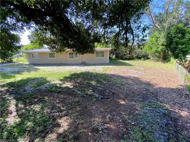 2173 Case Ln, North Fort Myers, FL 33917