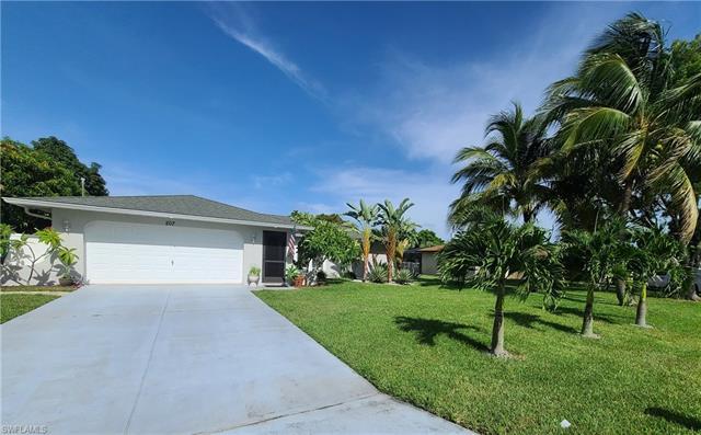 207 Se Santa Barbara Pl, Cape Coral, FL 33990