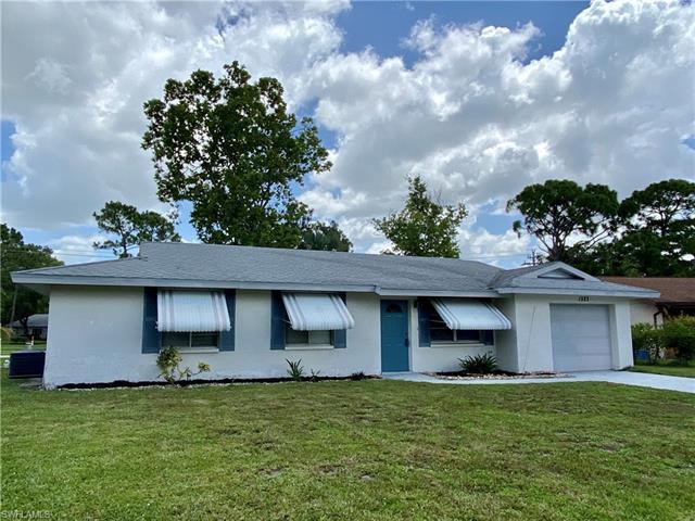 1323 Torreya Cir, North Fort Myers, FL 33917