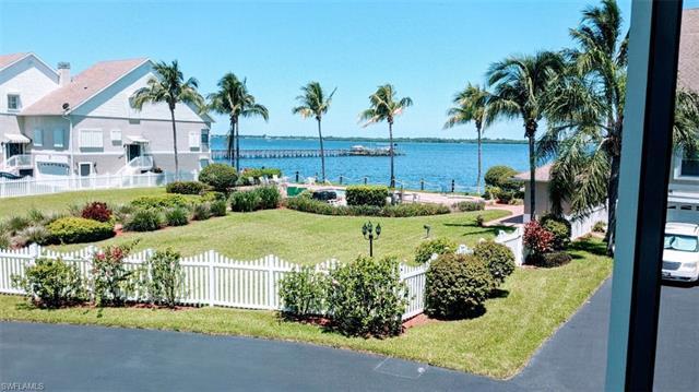3649 Edgewood Ave, Fort Myers, FL 33916