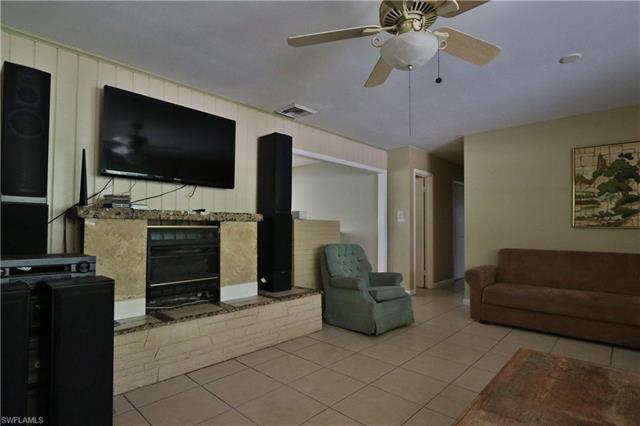 1689 Daniels Dr, North Fort Myers, FL 33917