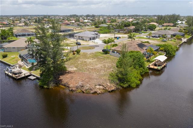 316 Nw 39th Ave, Cape Coral, FL 33993