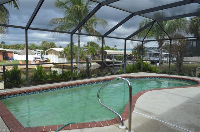6274 Plumosa Ave, Fort Myers, FL 33908