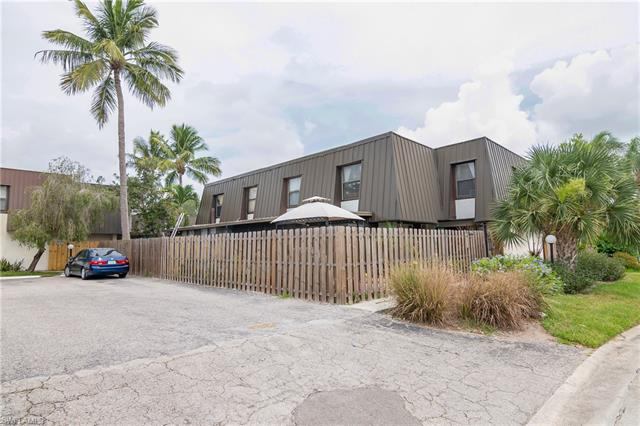 11702 Pointe Circle Dr, Fort Myers, FL 33908