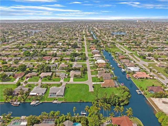 245 Sw 42nd Ter, Cape Coral, FL 33914