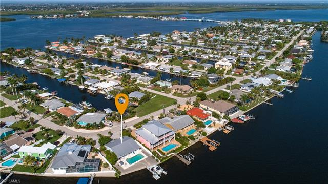 11779 Island Ave, Matlacha, FL 33993