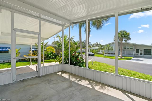 13650 Ovenbird Dr, Fort Myers, FL 33908