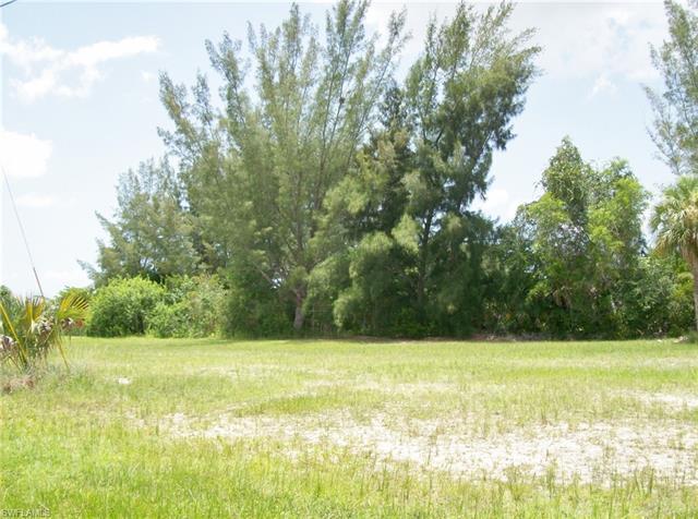 1418 Sw 1st Pl, Cape Coral, FL 33991
