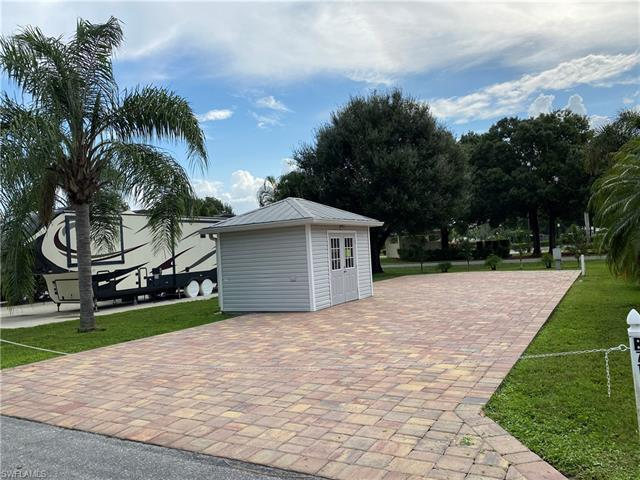 10062 Parkwood Dr, Fort Myers, FL 33905